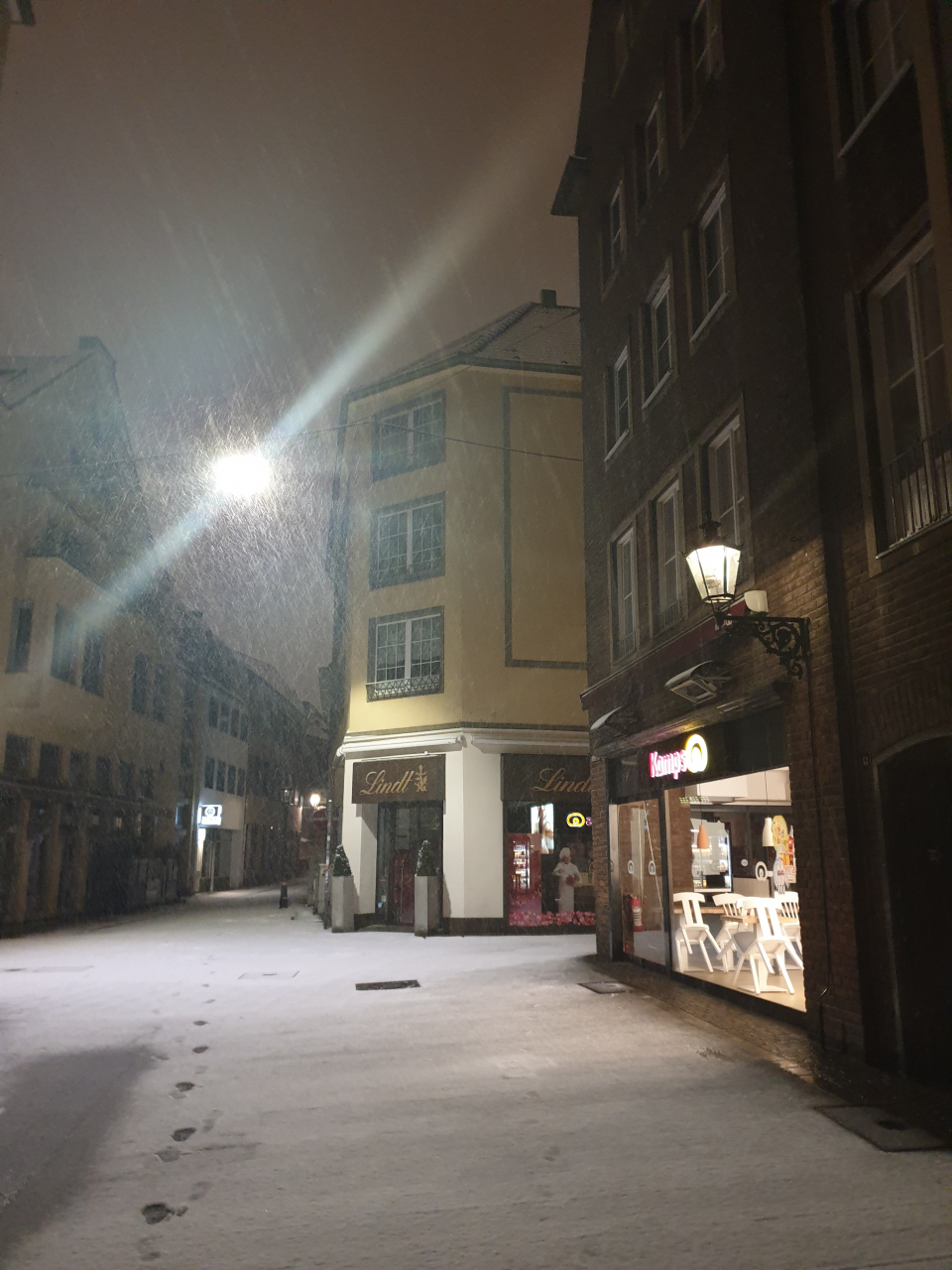 Finally some snow!! (5:00 am)