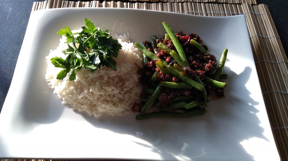 ThaiFood for Dinner fresh and home made B)Beef with green beans and rice :)