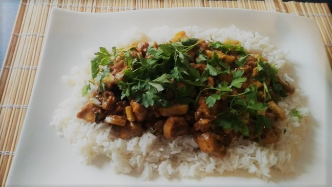 Curry chicken fresh home made for dinner tonight :P